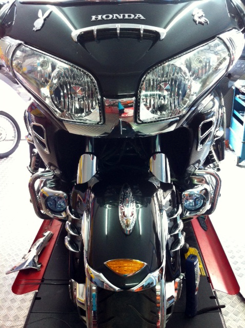 iluminacion-goldwing-xenon-barcelona (5)