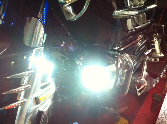 iluminacion-goldwing-xenon-barcelona (9)